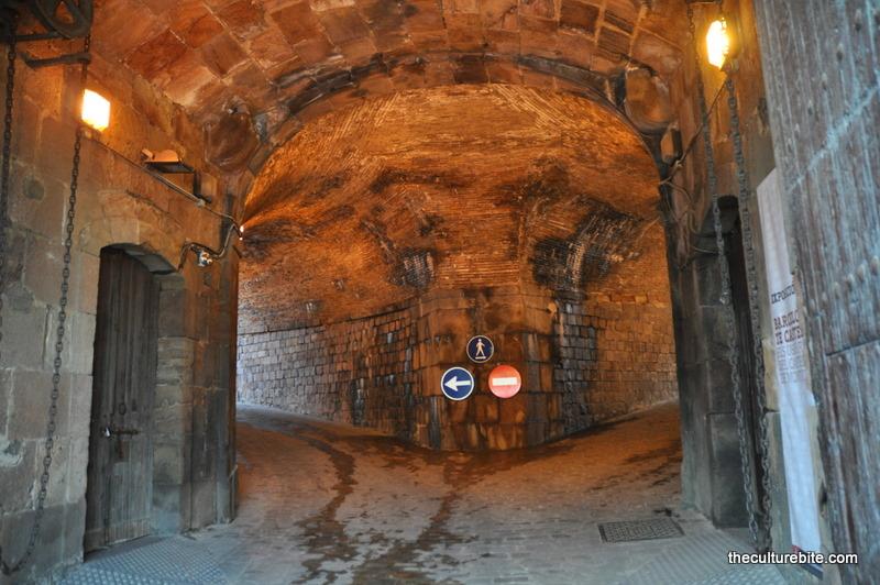 Barcelona Castell de Montjuic Tunnel